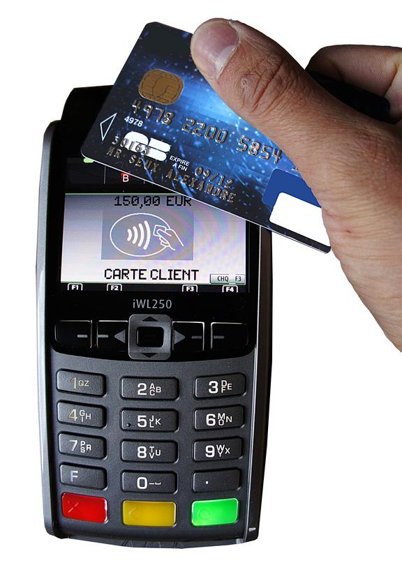 Carte Bancaire Nfc.Paiement Sans Contact Carte Bancaire Avec Terminal Type Nfc